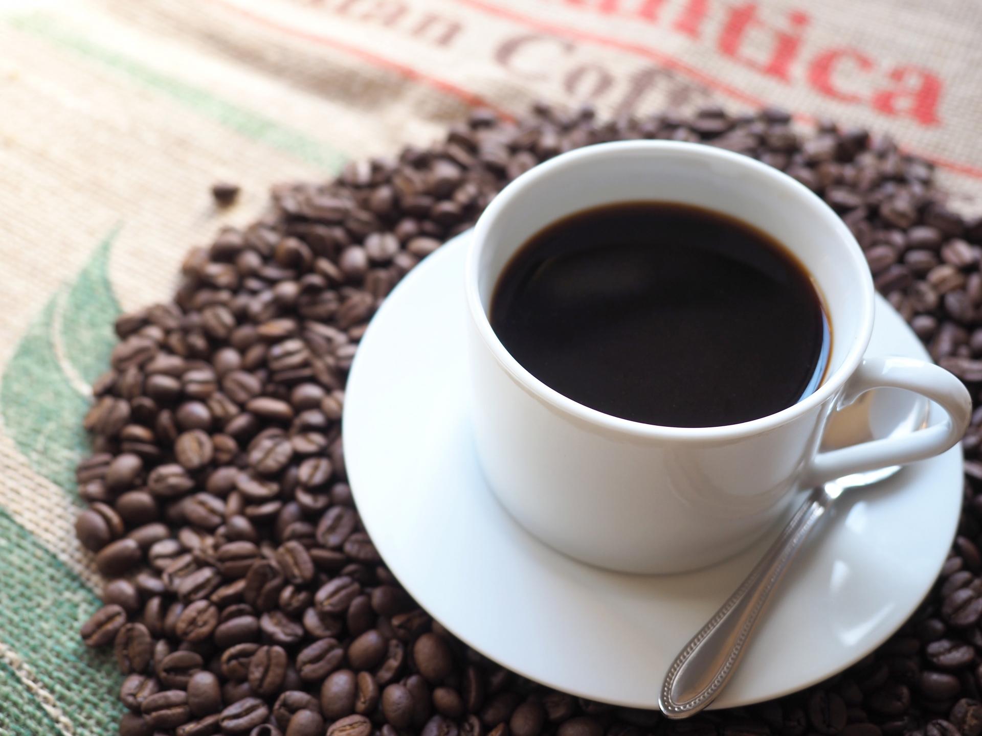 コーヒーが服に飛んでしまった その場でできる簡単な染抜き方法を教え